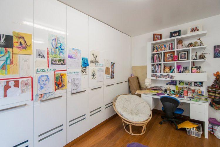 mueble-escritorio-de-dormitorio-de-niña-y-closet.jpg